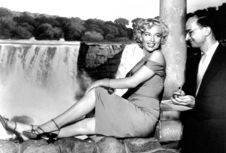 "Fred Woodress interviews Marilyn Monroe in 1953. Fred remarked: ""She was a warm, wonderful person who gave me full attention while interviewing her during her lunch break while shooting a billboard for ""Niagara."" Some stars talk to you while looking over your shoulder for someone more important. Not Marilyn."""
